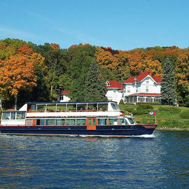 fall boat tour